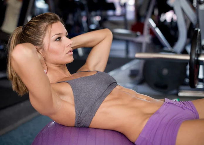 La posicion en el ejercicio abdominal